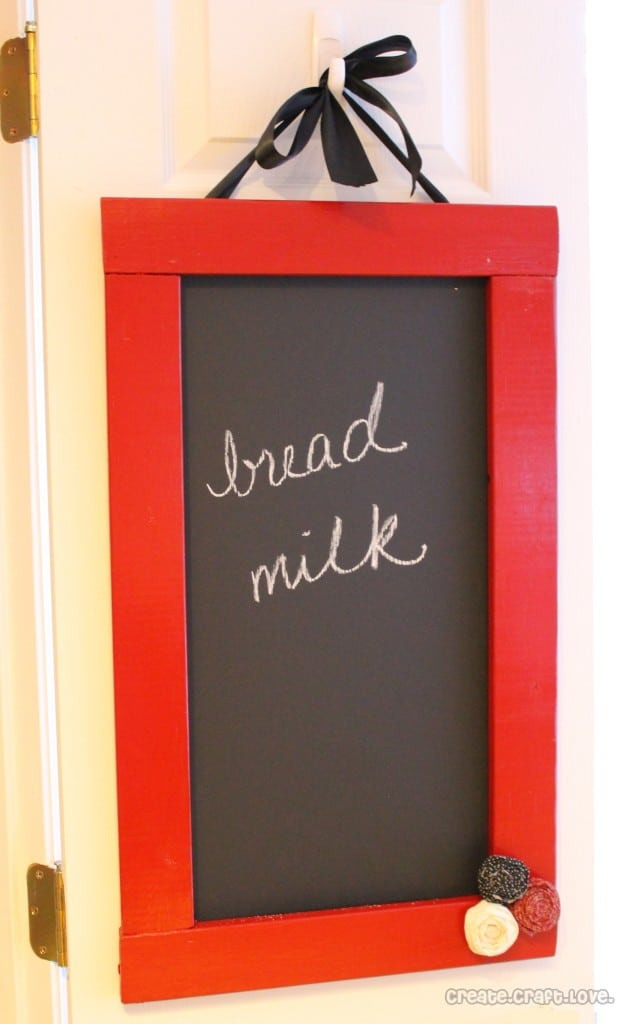 Magnetic Chalkboard via createcraftlove.com #chalkboard #DIY