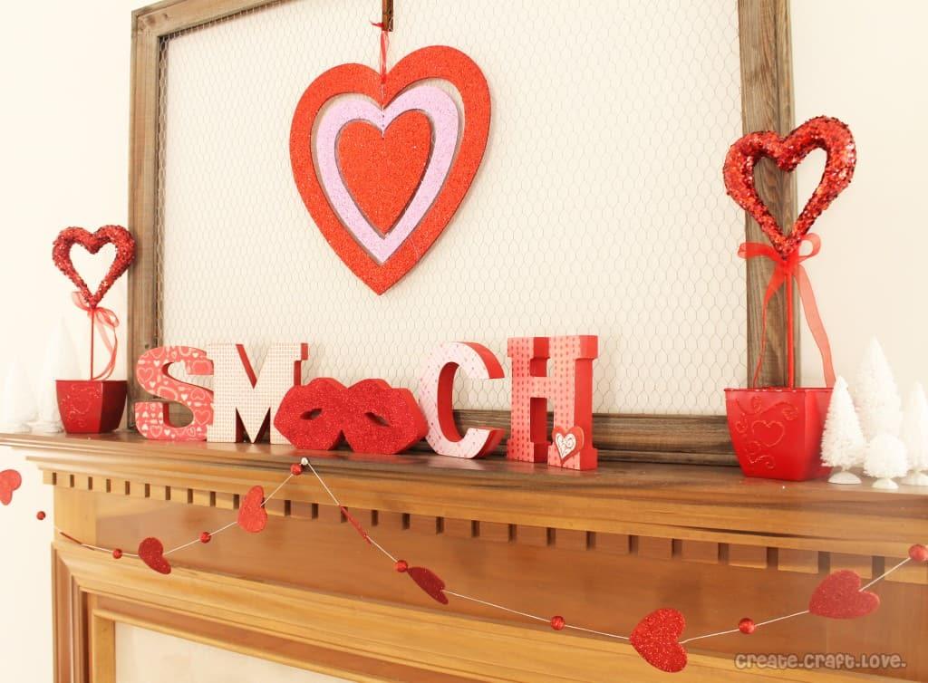 #Valentine #Mantel at createcraftlove.com