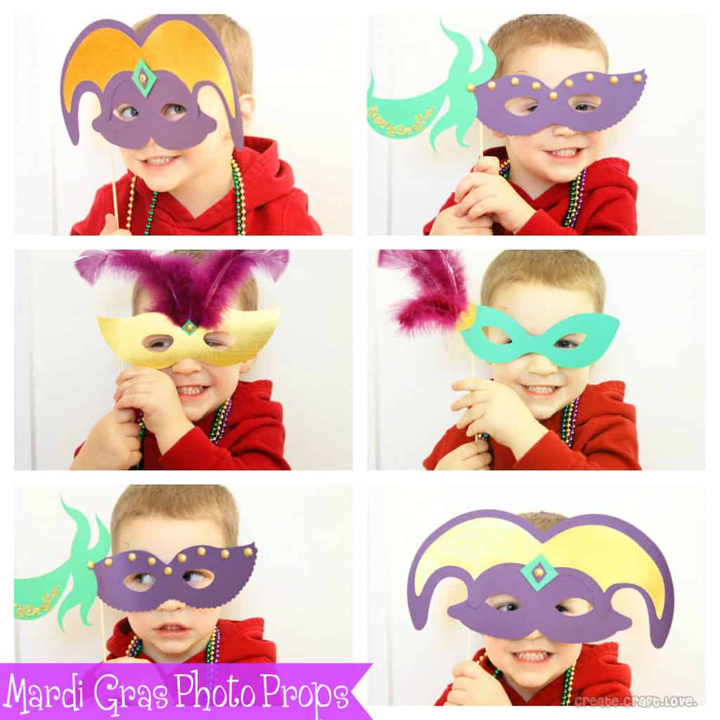 Mardi Gras Photo Props via createcraftlove.com #mardigras #photoprops