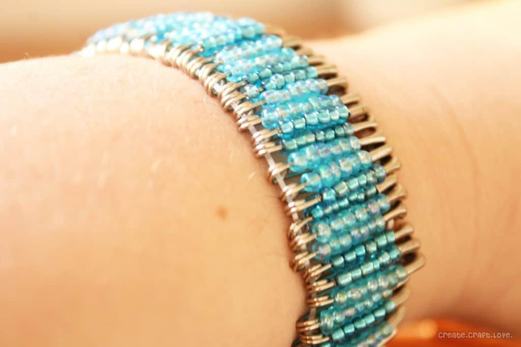 Beaded Safety Pin Bracelet via createcraftlove.com #bracelet #beads #jewelry