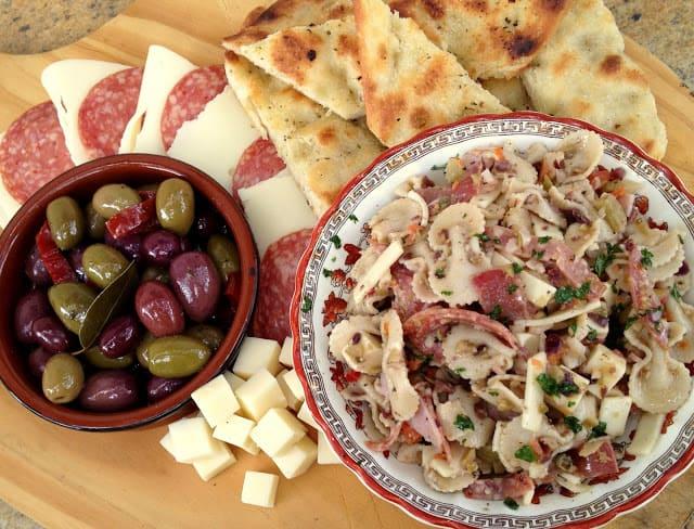 muffuletta_pasta_salad_hodgson_mill-001