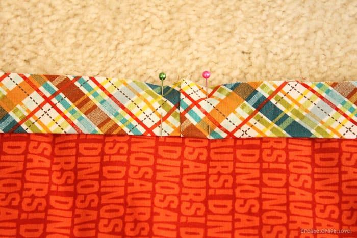 quilt-bind-seam-pinned