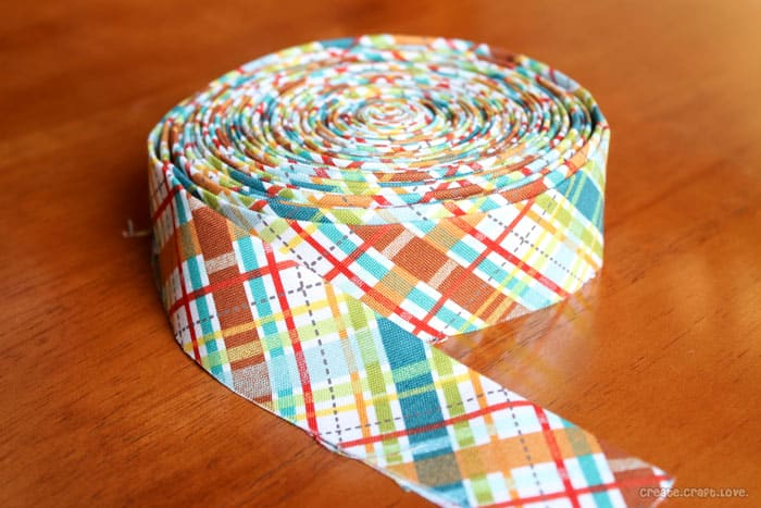Quilt Along: Binding the Quilt at createcraftlove.com #quiltalong #quilting #sewing