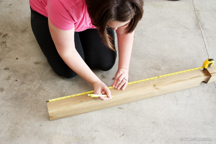 ryobi-measuring-the-wood