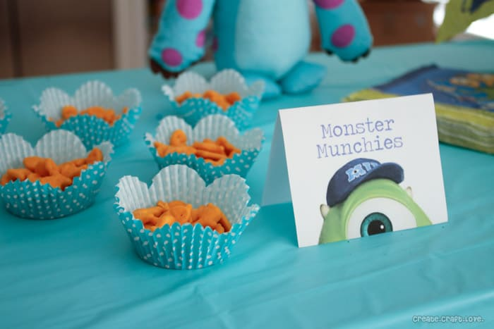 Monster Craft: Movie Premiere Party via createcraftlove.com #cbias #MUJuice