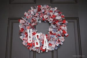 Stars and Stripes Rag Wreath via createcraftlove.com for TRR #4thofjuly #wreath #ragwreath #fabric