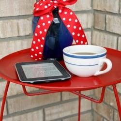 DIY Ice Cream Parlor Table via createcraftlove.com #DIY #outdoor #furniture #table