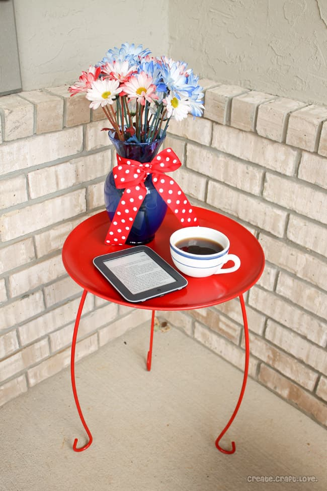 DIY Ice Cream Parlor Table via createcraftlove.com #DIY #outdoor #furniture #table