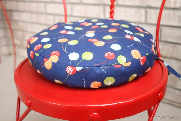 simple round cushion tutorial from sewing round cushions