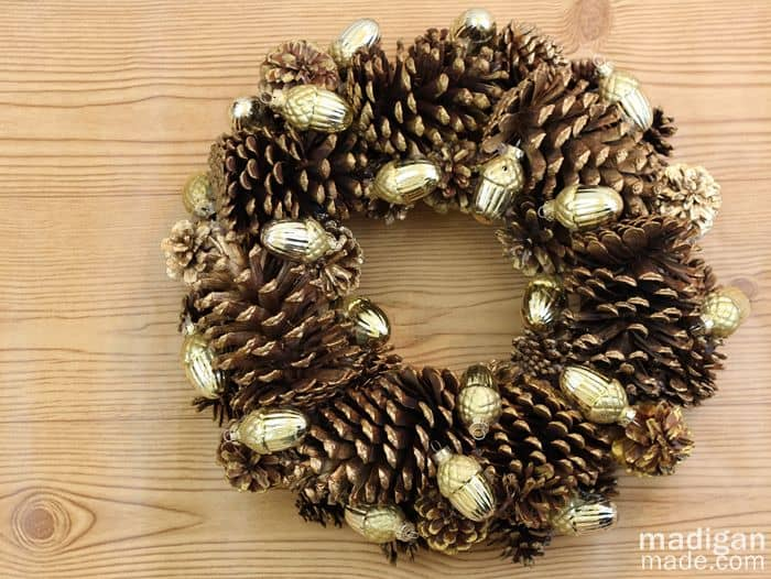 how-to-make-a-simple-pinecone-wreath-craft-01