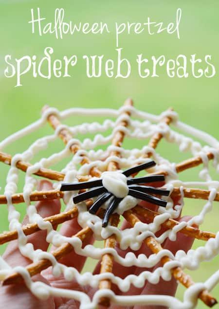 Halloween-pretzel-spider-web-treats1