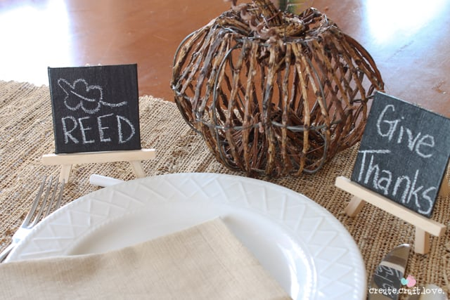 Accessorize your holiday table with these Easy Chalkboard Place Cards!  via createcraftlove.com for the36thavenue.com #tablescapes #placecards #holidays