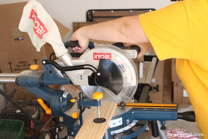 farmhousecoffeetablemitersaw