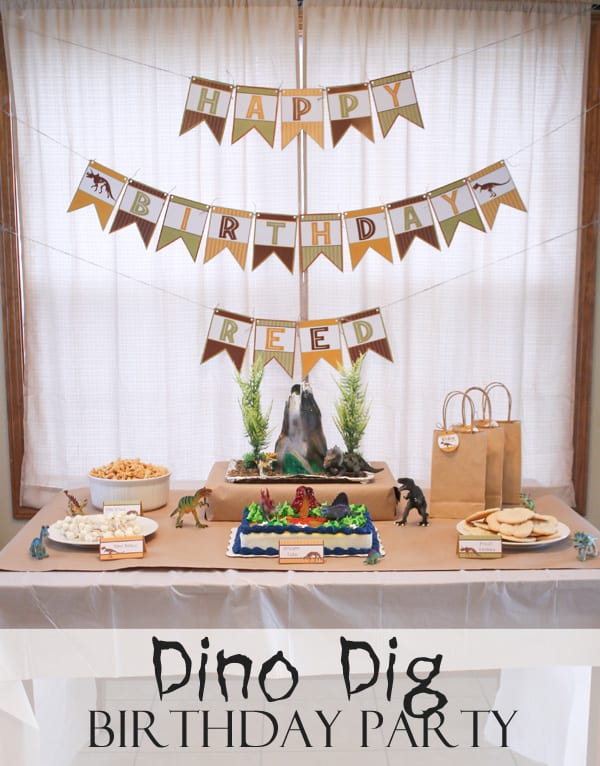 Calling all dinosaur lovers! This Dino Dig Birthday Party is perfect for little kiddos! #dinosaur #birthdayparty #partyideas