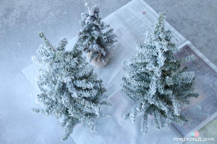 flockedchristmastree1