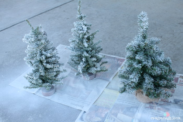 flockedchristmastree2