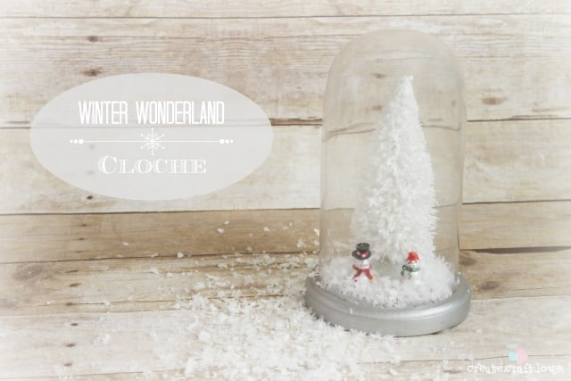 This Winter Wonderland Cloche is easy to make and pretty to look at! via @createcraftluv for the36thavenue.com #winter #cloche #DIY