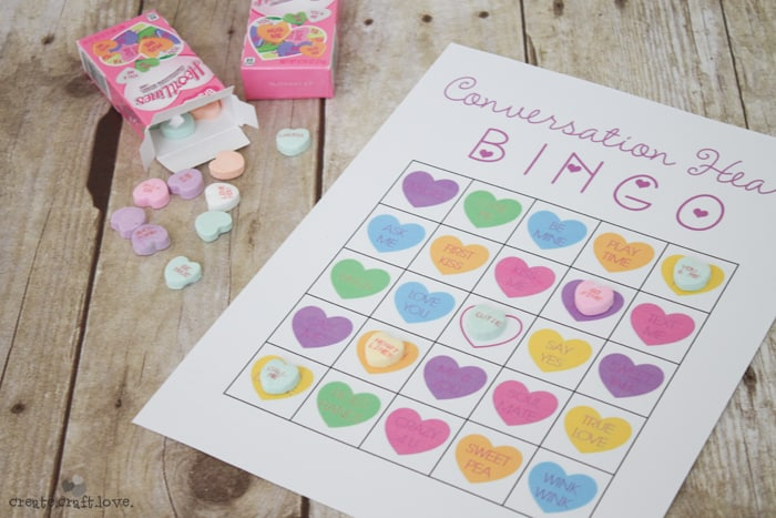 Fun Valentine's Day classroom activity - Conversation Heart Bingo! #printables #kidsvalentines #valentinesday