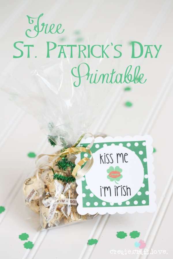 FREE St. Patrick's Day printable - perfect for #partyfavors! #stpatricksday #printables
