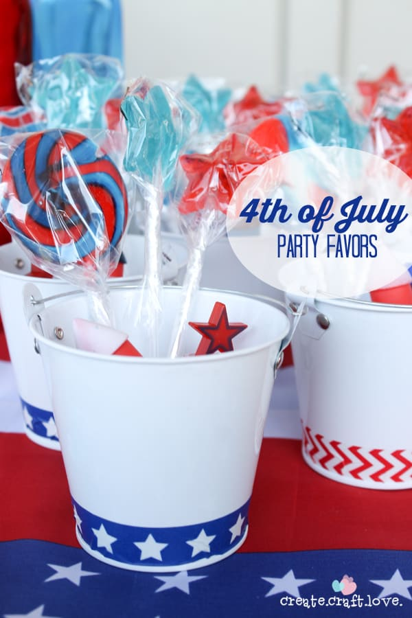 Come see the 4th of July Party Favors I whipped up for the kiddos! via createcraftlove.com