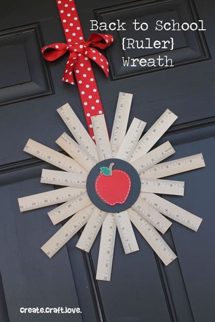 backtoschoolwreath