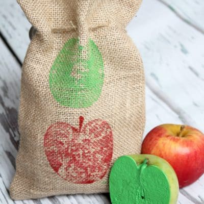 These Apple Stamped Gift Bags are the perfect gift! Add some fresh picked apples and apple recipe of your choice! via createcraftlove.com for The 36th Avenue