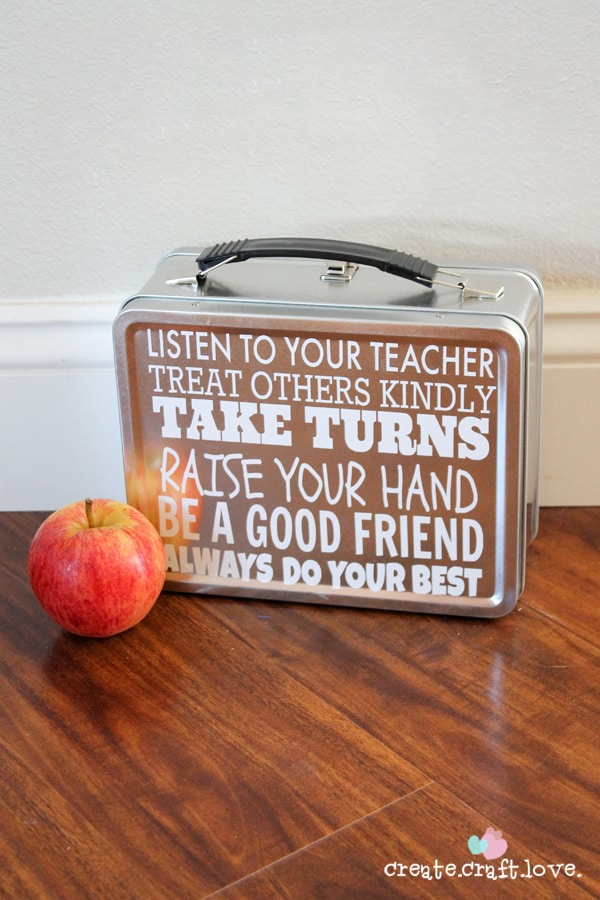 Personalized Lunchbox with Built In Message Board via createcraftlove.com