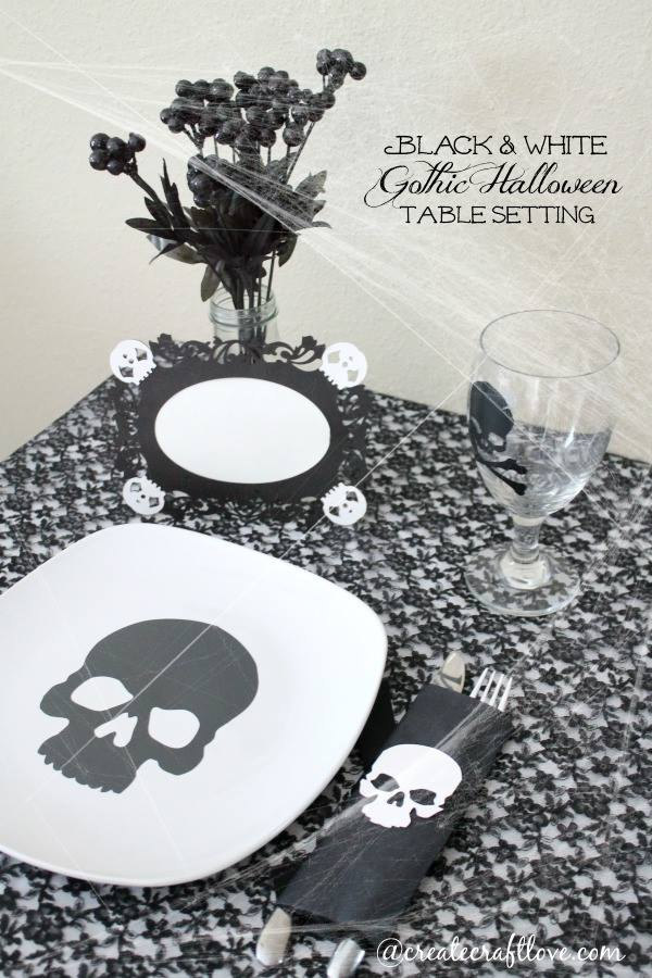 Use your Cricut Explore to create this Gothic Halloween Table Setting! #designspacestar #gothichalloween #halloween #cricutteam5