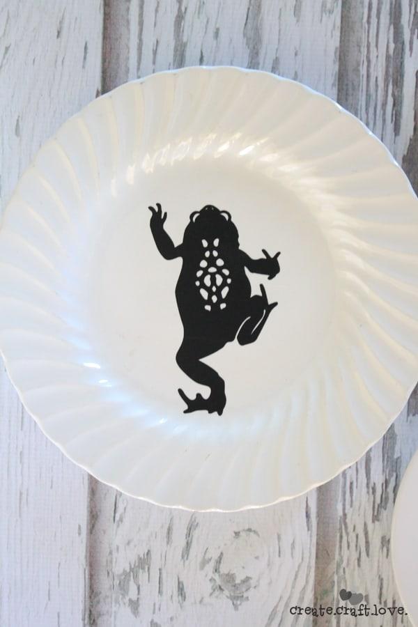 blackwhitefrog