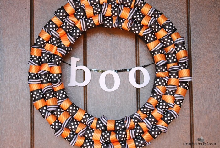 Halloween Ribbon Wreath or The One Where Jill Obviously Didn't Read the Blog Post via createcraftlove.com