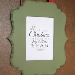 This Chalky Finish Christmas Frame is the perfect last minute handmade gift idea and I included a FREE printable! via createcraftlove.com