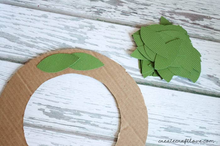 paper bayleaf wreath 3