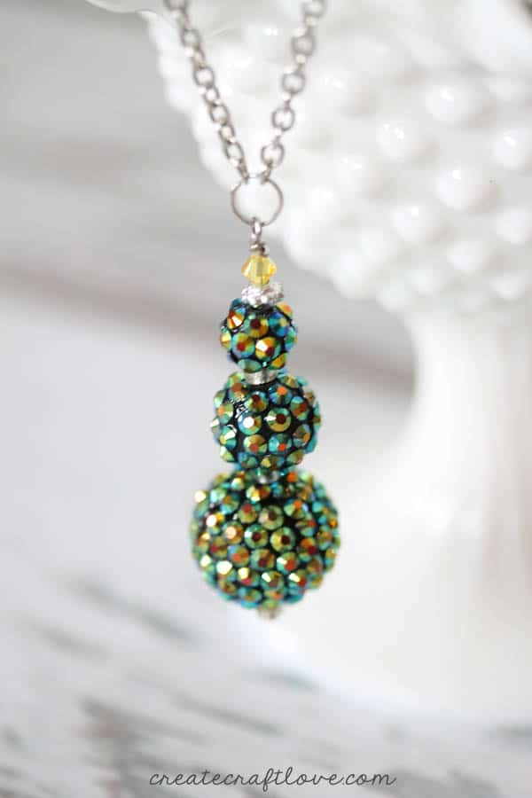 beaded holiday necklace tree