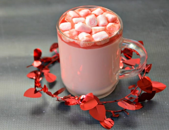 Pink-hot-chocolate-3