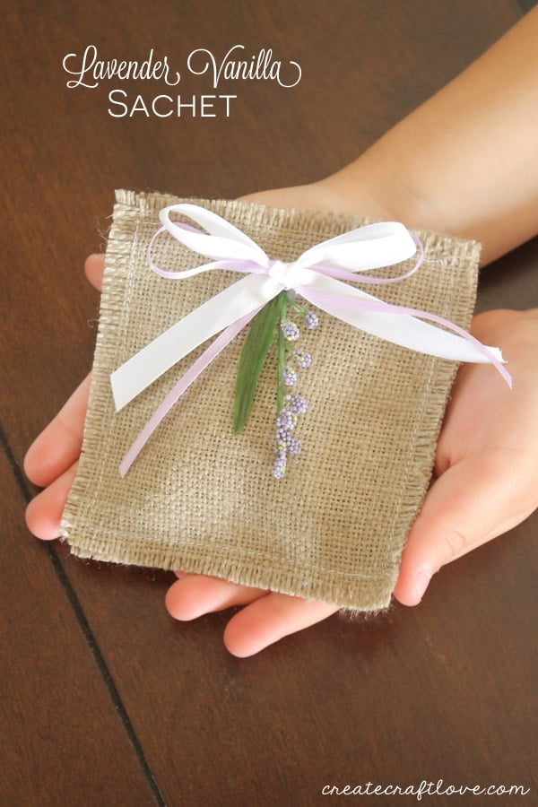 Lavender Vanilla Sachet - easy Mother's Day gift idea!
