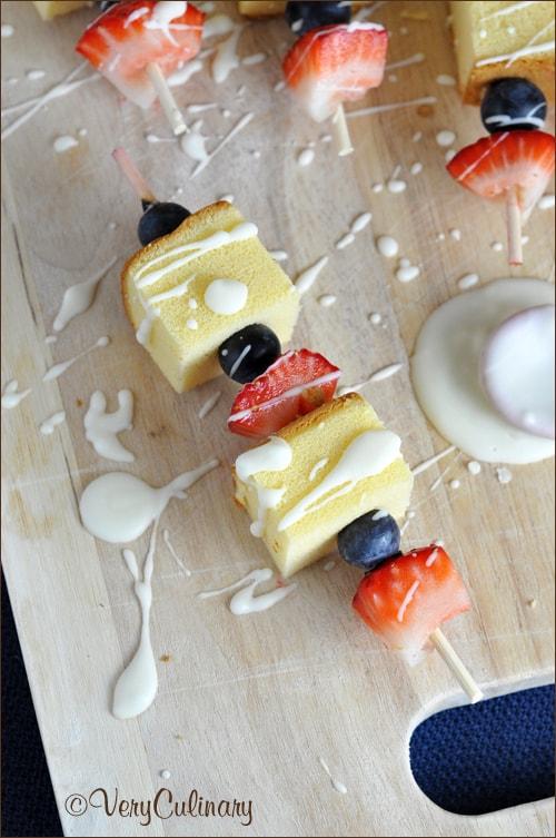 Red_White_Blue_Dessert_Kabobs_vertical_sm_blog
