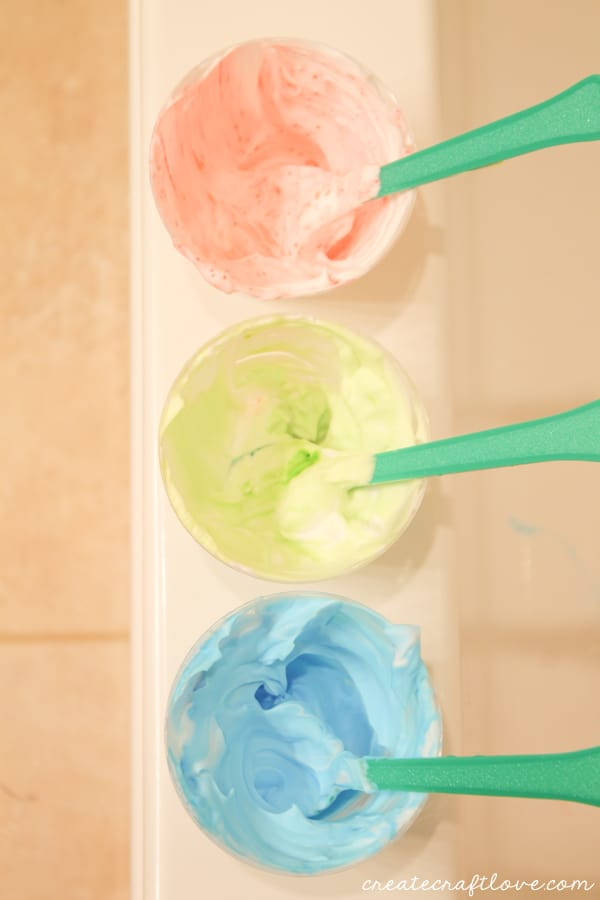 Whip up some this DIY Bath Paint to keep bath time fun! via createcraftlove.com