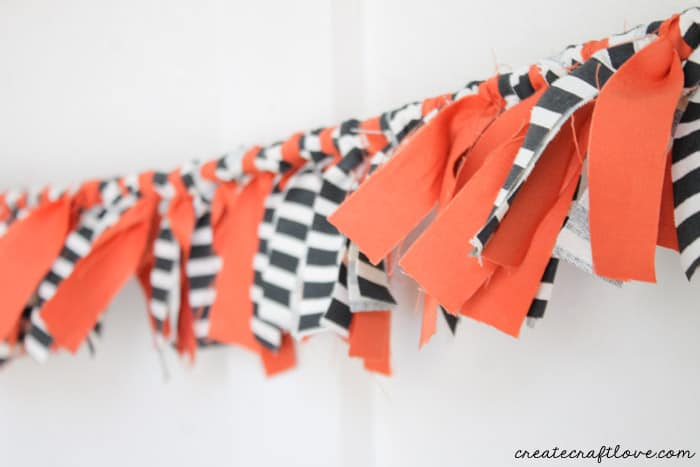 scarppy fabric garland horizontal