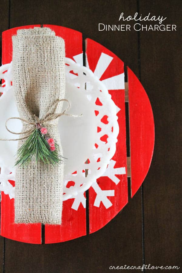 Dress up your holiday table with these Holiday Dinner Chargers! via createcraftlove.com