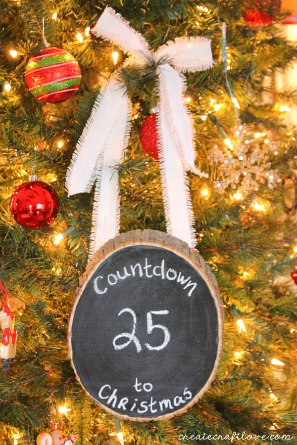 This Rustic Chalkboard Countdown can be used all year long and for any occasion! via createcraftlove.com