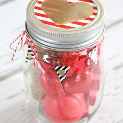 Surprise your best gal pal with this Gal-entine Mason Jar Gift! via createcraftlove.com