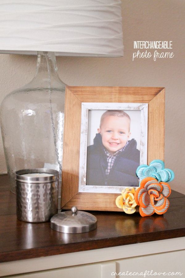 This Interchangeable Photo Frame is practical and functional! via createcraftlove.com