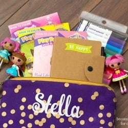 This kids busy bag is packed full of fun activities for the little ones to do during quiet times, but is still small enough to fit in your purse!