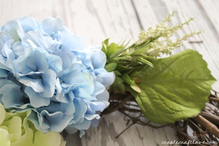 spring hydrangea wreath 3