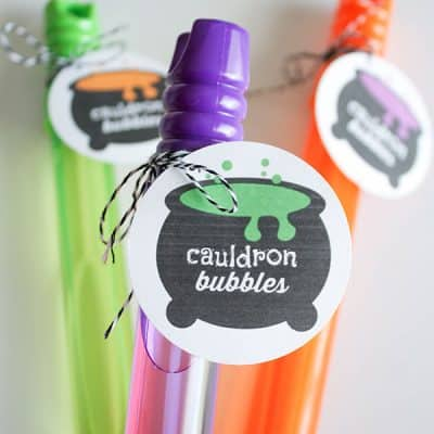 This Cauldron Bubbles Printable is great for candy and non-candy Halloween treats! via createcraftlove.com