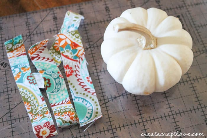 mini mod podge fabric pumpkins 2 (1 of 1)