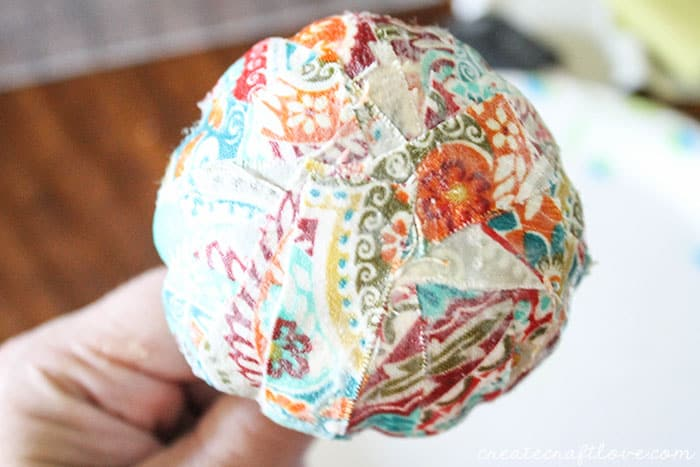 mini mod podge fabric pumpkins 6 (1 of 1)