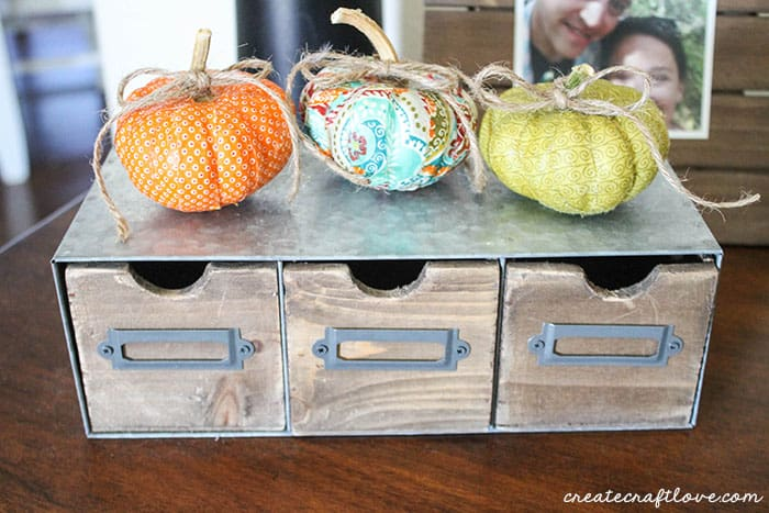 mini mod podge fabric pumpkins horizontal (1 of 1)