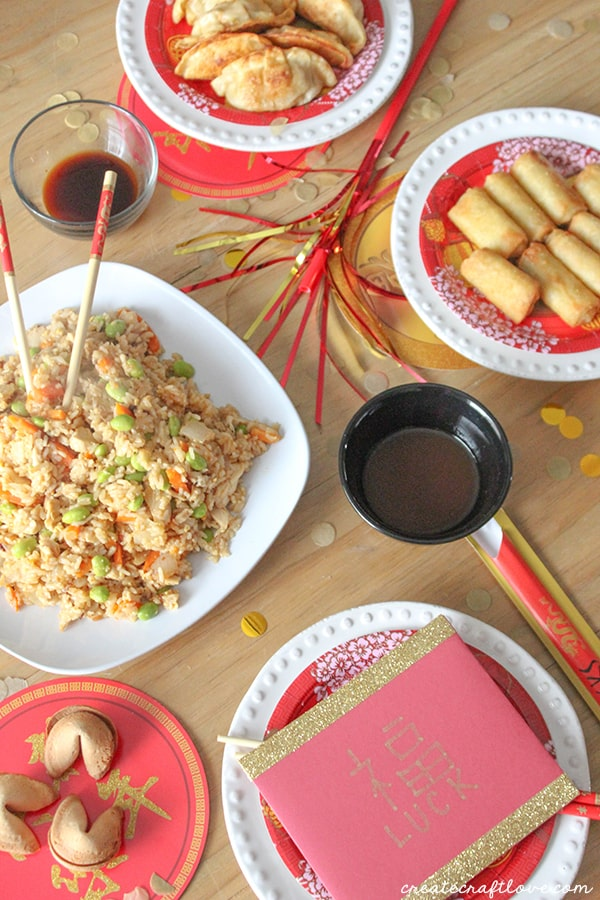 P.F. Chang's Home Menu makes it easy to satisfy your mid-week craving without the hassle, bringing bold, authentic and adventurous flavors to your home kitchen. #spon #wokwednesday