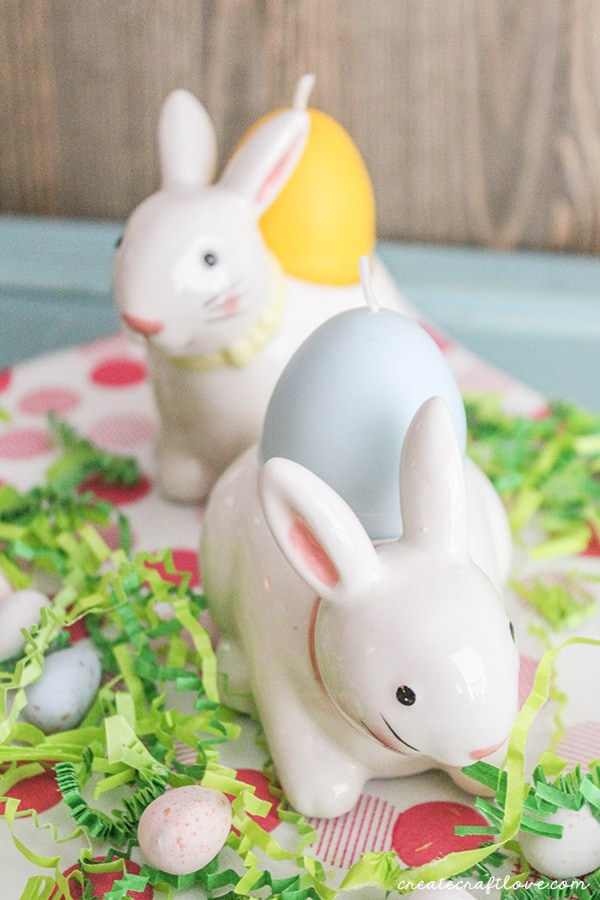 These Easter Egg Candles are sure to brighten up your spring decor! via createcraftlove.com